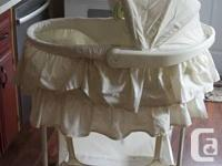 I am selling a gently used 5-in-1 infant bassinet. It