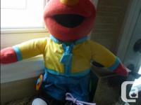 Fisher-Price Sesame Street Learn To Dress Elmo * Elmo