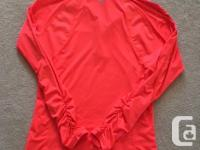 Long-sleeve shirt, quality brand (SunIce) and in
