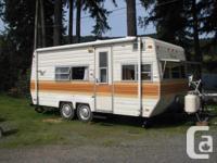 Very nice clean 17' travel trailer by Fleet Wood. I did