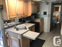 36' fully customized and renovated Southwind. Gas