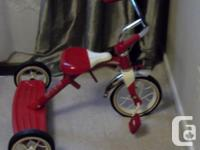 This traditional tricycle is ideal for any type of kid
