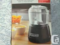 KitchenAid food mill. - 3.5 mug ability. - 2 speed mode