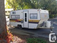 For sale 1976 triple e 18' footer camper. Bathroom,