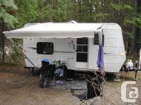 - 2011 Sportsmen Classic 16BH Holiday Trailer, 17'2''