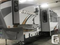 For Sale Heartland Cyclone Toy Hauler 4014 Camper 5th