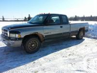 1998 dodge ram ext cab long box 5.2 auto,220,000 Kms