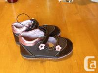 I am selling toddler girls shoes in excellent