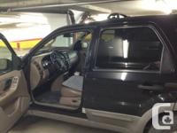 Ford escape 2001 black, 180000KM, 4X4, V6. Good