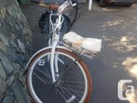 Basil Brand front luggage rack with removable basket.
