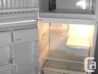 Kenmore ( Frigidaire made ) ... FROST FREE FRIDGE ...