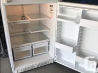 19 Cubic Ft frost free refrigerator, in excellent