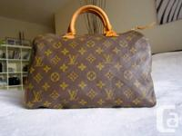ONE HUNDRED % real vintage rapid 35 Handbag. State used
