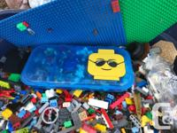 Selling all the Lego pieces in this big 68L bin,