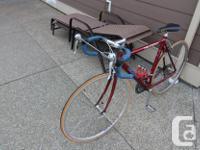 Giant Peloton 8200 road bike. 55 cm bike, 622x14 rims,