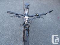 Giant Roam Hybrid Bike aluminum frame size medium, 27