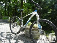 Giant Talon 29er 1 (2013) Hard tail bike for sale. 650