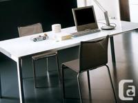 Italian designer Bontempi Casa (Keyo table). Tempered