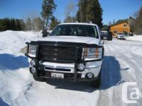 Make GMC Model Sierra 2500HD SLE Colour White Trans