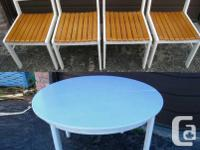 Nice White Solid Wood Round Table + 4 Chairs fit the