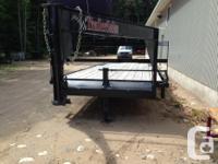 2013 flatbed gooseneck trailer. 17000 pound. tandem