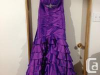 Gorgeous dress in perfect condition from a smoke/pet
