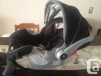 This Graco Snugride 35 is in excellent condition. We do
