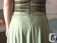 Mid-Length Light Green with Brown Lace Gown Size M