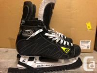 Beautiful skates, like new condition. I wore these for