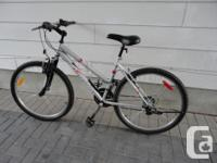 Selling an adult size RALEIGH 21 speed commuter