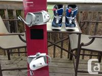 I am selling a Salomon Snowboard (150cm) and Liquid