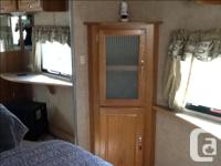 30 foot fifth wheel, very clean, dual pullouts. Has