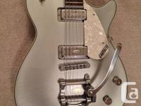 GRETSCH PRO JET ELECTRIC GUITAR, SILVER SPARKLE WITH