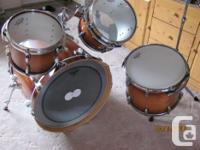 Gretsch Renown Maple drum set in excellent condition.