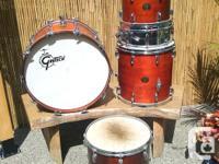 Vintage Maple shell Gretsch drum kit. Excellent