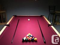 Wolf Billiards slate swimming pool table. Excellent
