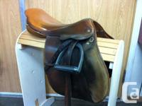 "17"" Crosby Hampton Standard hopping saddle. features"
