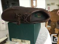 Pathfinder size 13N. Genuine leather moccasins. Superb