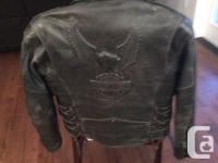 SIZE-MEDIUM-high quality leather and is in great