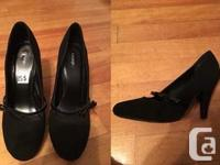 Lots of High heels from Size 4 - 9. Prices and