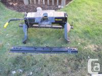 Hijacker single pivot 16,000 lb-rated fifth wheel