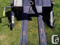 Hijackers Universal Fifth Wheel Hitch with Rails