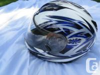 Rarely used. Excellent shape - clean! No scratches or