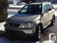 Make Honda Version CR-V Year 2001 4 x 4 in excellent