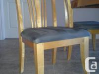 """Gorgeous honey-stained wood dining set. Includes 18"""""""