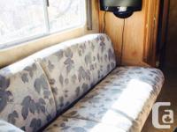 2006 hornet 24RSL travel trailer. 25' Has quad bunks in