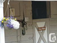 Glen Oaks Stables has one stall available immediately.