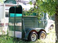 1976 2 horse straight haul horse trailer. Totally road