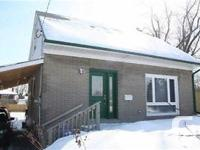 Well Maintained 5 Bdrm Home In The Quiet Neighbourhood