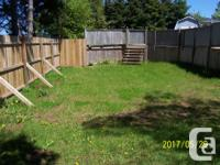 # Bath 1.5 Sq Ft 2250 # Bed 3 Lovely Home / QUICK
